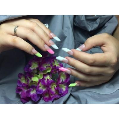 Коррекция искусственных ногтей