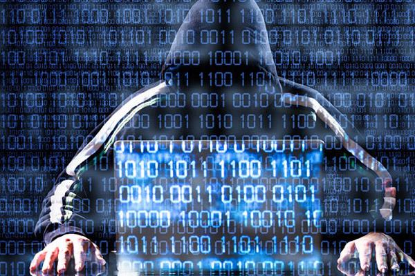 ФСБ - возможны кибератаки на банки России